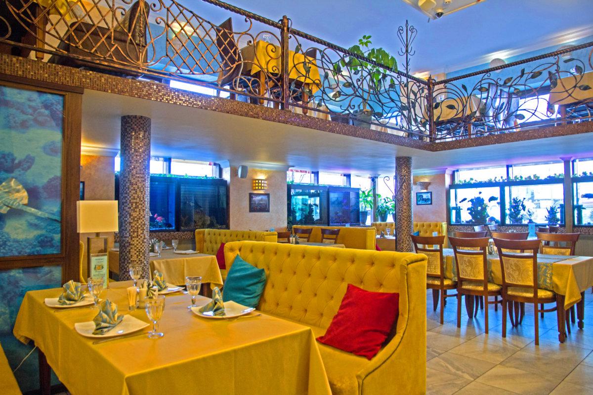 Главный зал ресторана Аквариум